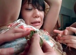 Asian bestiality with trained green frogs
